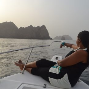 Bday cruising the Arabian Seas in Muscat + Shangri-la dinner!
