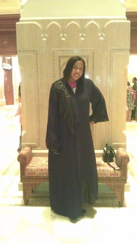 Rocking the abaya Omani style ;-).